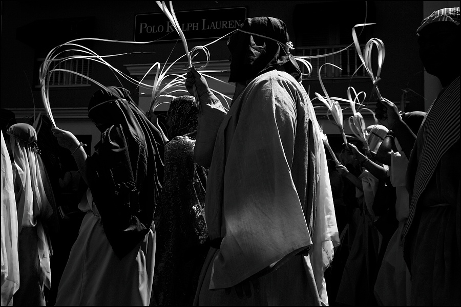 Art and Documentary Photography - Loading procesion-3W.jpg