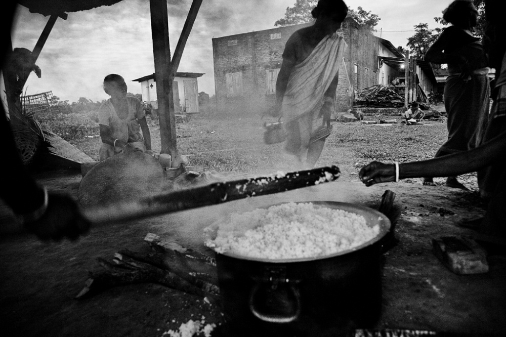 Art and Documentary Photography - Loading IMG_6883bnw.jpg