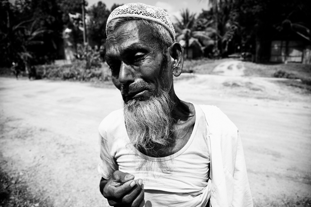 Art and Documentary Photography - Loading IMG_7294bnw.jpg
