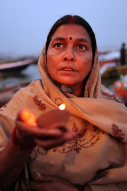 Art and Documentary Photography Blog - Loading Ganga
