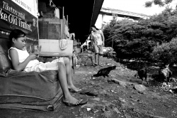 Art and Documentary Photography Blog - Loading Jembatan Tiga slum